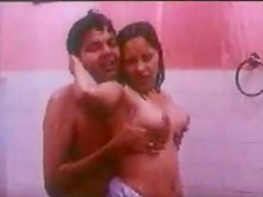 Horny Indian boyfriend pleases his busty gf in the shower