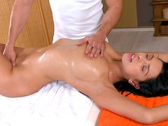 Innocent Elena being fucked by her masseur