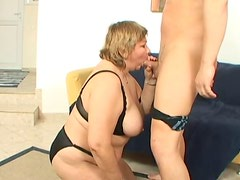 BBW mature mom with saggy boobs is face fucked hard
