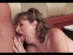 Mature bitch gives head & gets nailed!