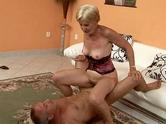 Ardent blond grandma gets her hairy vagina hammered from behind