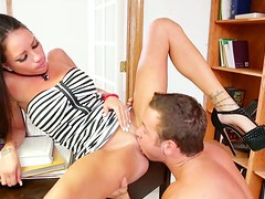 Booty gal in heels Raven Bay enjoys cunnilingus provided by Chad White