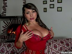 Big-assed milf Sandra gives head and gets her cunt smashed