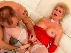 Ample busty mature gets her hairy pussy dildo fucked