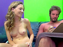 Slim chick gets cunnilingus and gives a blowjob