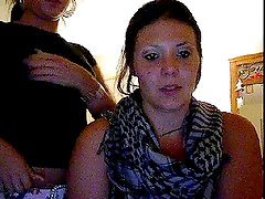 2 girls showing their big boobs (Chatroulette)