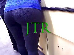 Sexy Thick white girl in tight yoga pants !!!!