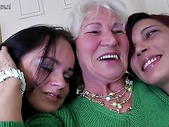 Three old and young lesbians have great sex