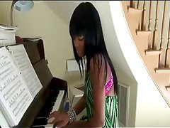 She Play the Piano with her Black Ass