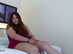 BBW fat ass Debora gets kinky just for us