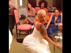Amber Rose: Wedding Dress Twerk - Ameman