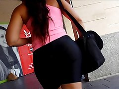 Teen with big sexy ass in skintight spandex shorts