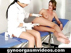 Gyno doctor teaches her patient to reach orgasm