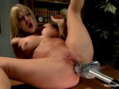 Amy's hunger for an anal sex is fulfilled by a fucking machine