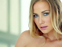 Courtney Dillon is one beautiful adult model with amazing blue