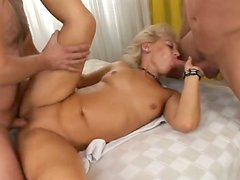 Voracious mature mom is getting face fucked in hardcore gangbang