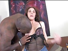 White mom rides BBC without condom in front of son