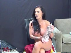 Busty Jenna Presley toys her vagina and gives a blowjob