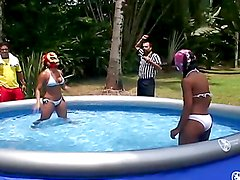 Rough sex for Mayara Shelson after water wrestling