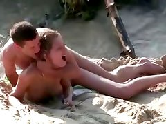 Nude Beach - Hot Couple Suck & Fuck
