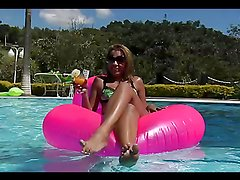 Hot sex on the edge of the pool with the sexy Suzy Anderson