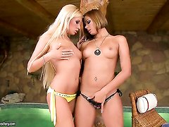Blonde Donna Bell opens her legs to