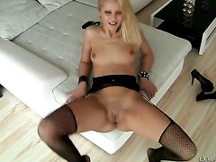 David Perry bangs Playful vixen Cherry Kiss in her mouth as hard as