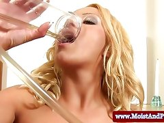 Big taco babe drinks pee from pussy pump