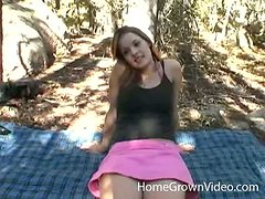 Cute chick gets her pussy pounded in the forest in a hot homemade clip