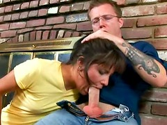 Amateur Anne with skillful and big mouth likes to suck huge weiner