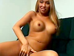 Asian bimbo with fascinating figure is masturbating her vag