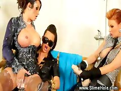 Lesbos ride strapons to get to the goo