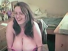 nerdy webcam wife with gigantic juggs 3