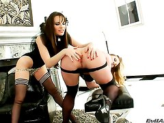 Aurora Snow keeps her mouth wide open to be