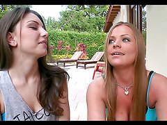 Lesbian hotties have a great time in a threesome