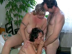 Fat chicks with big boobs participate in threesome