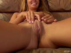Super sexy doll Averi is giving her pussy to him
