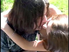 Hot oral sex in the park on a lovely day