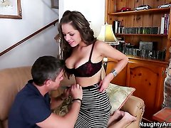 Yurizan Beltran with big breasts and bald pussy gets