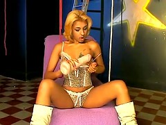 Lewd blonde Ana Ferrari smashes her cunt with an oversized toy