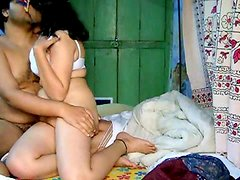 Indian couple has sex in the homemade amateur action