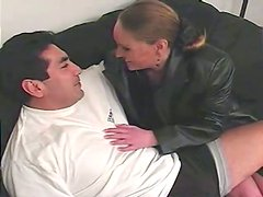Sexy MILF With Big Natural Tits Gives Her Dude Amazing Handjob