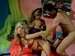 Frantic FFM threesome action with two well stacked blondies