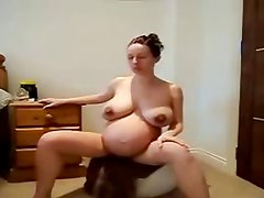 hot pregnant lady working out nude