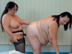 BBW mature Russian lesbians having fun with huge strapon