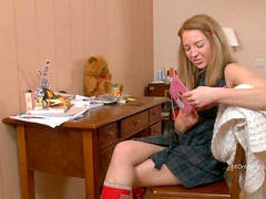 Reality Video of a Babe Using Her Vibrator to Get Off