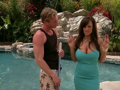 Flawless Brunette MILF Lisa Ann Seduces The Poolboy Outdoors