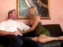 Doggystyle Is What Makes That Hoe Payton Leigh Pleased