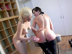Good looking baby doll Sinn Sage and lesbian