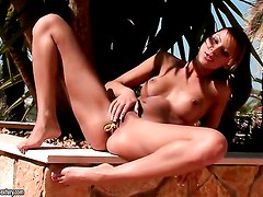 Brunette Cindy Hope is ready to